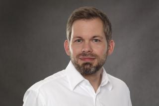 Interview: Public-Cloud-Dienste – Auf der Suche nach dem weissen Ritter.
